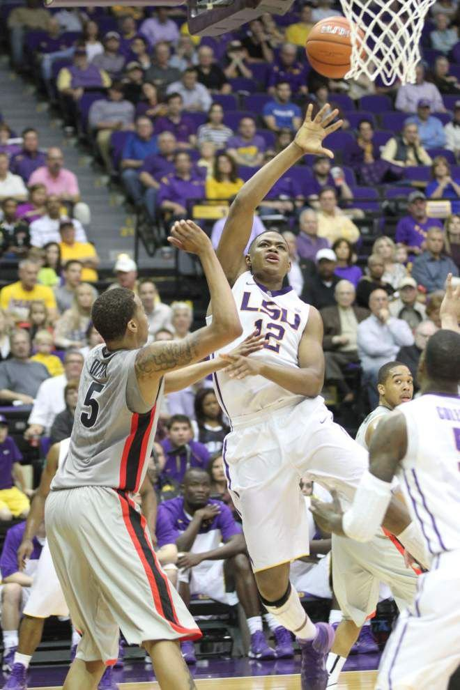 Video: Jarell Martin says a lack of communication hurt LSU's defense in Georgia loss _lowres