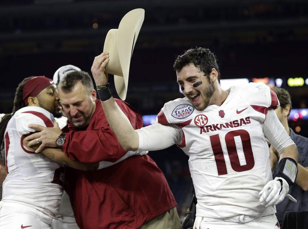 Bowl roundup: Arkansas manhandles Texas in Texas Bowl _lowres