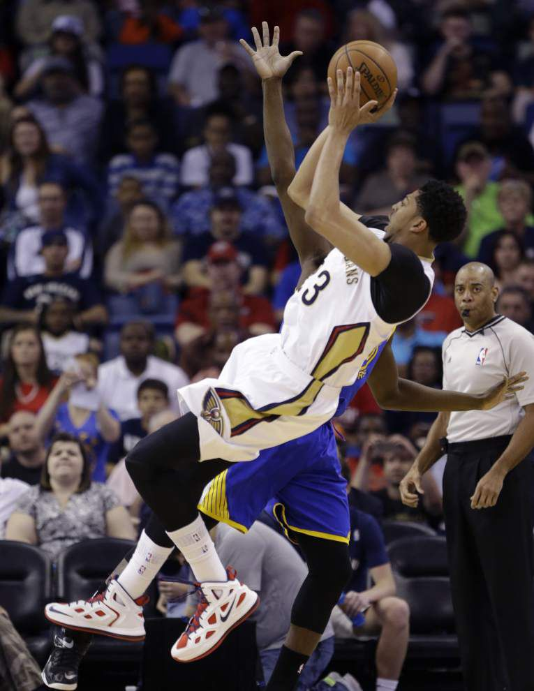 Pelicans upset Warriors to push into playoff position _lowres