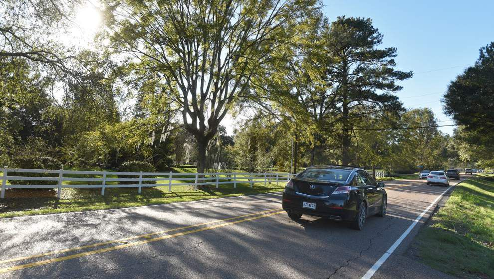 Highland Road, Pecue Lane residents seek zoning change to restrict development, maintain area's charm _lowres
