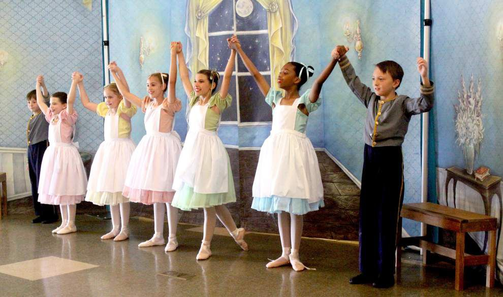 Branches welcome 'Ball' ballet _lowres
