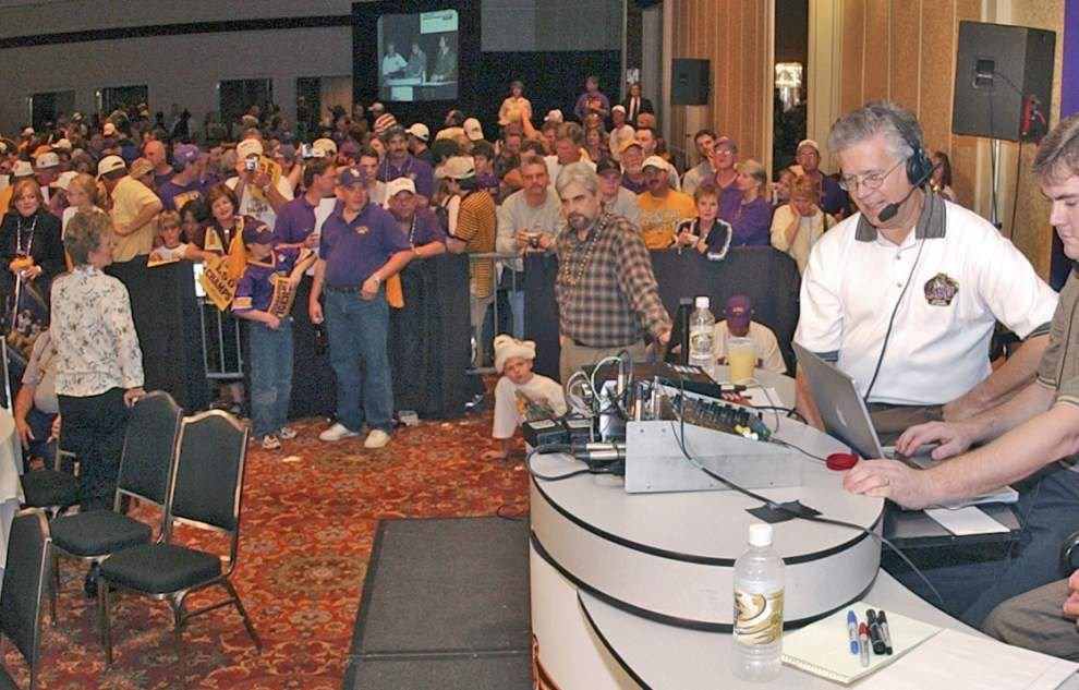 Voice of LSU Tigers Jim Hawthorne ready for his final football game, has received congrats from Nick Saban, others _lowres