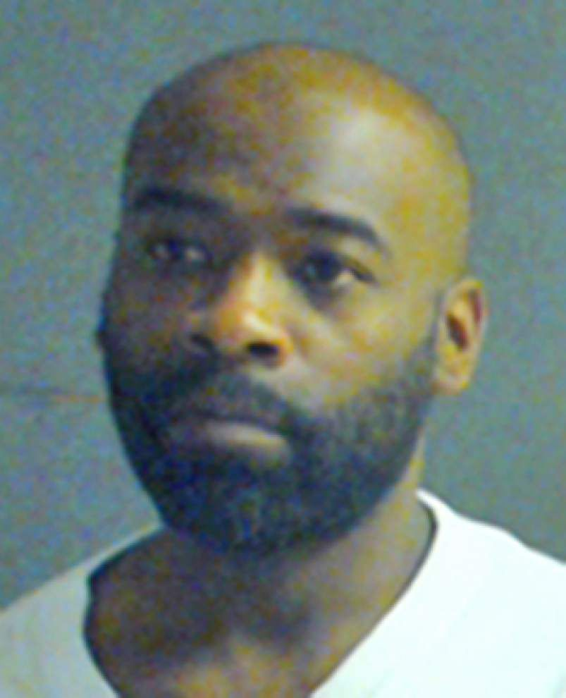 Family fight lands Baton Rouge man in jail _lowres