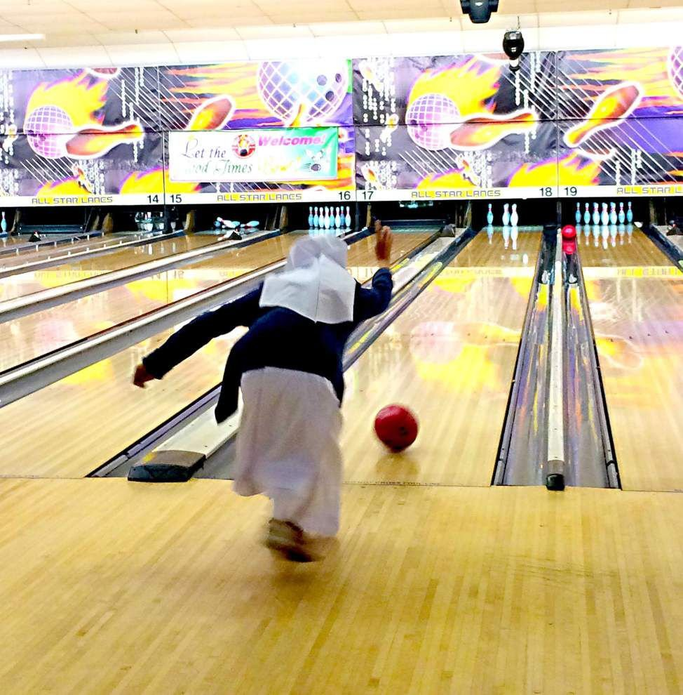Holy   bowlers _lowres