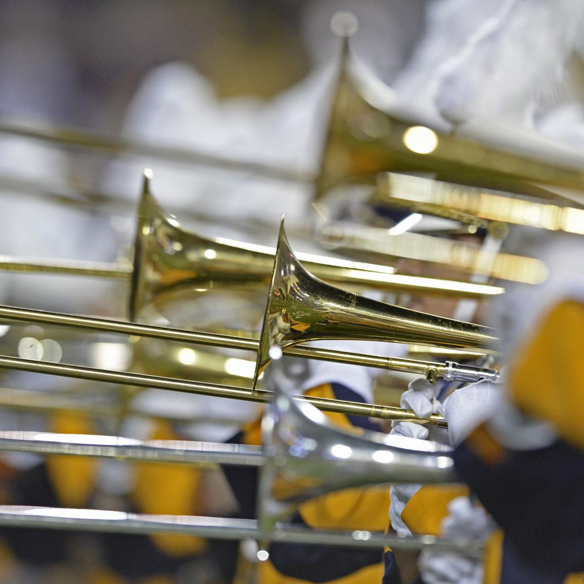 LSU marching band rewards fans with 'Neck' after game, but