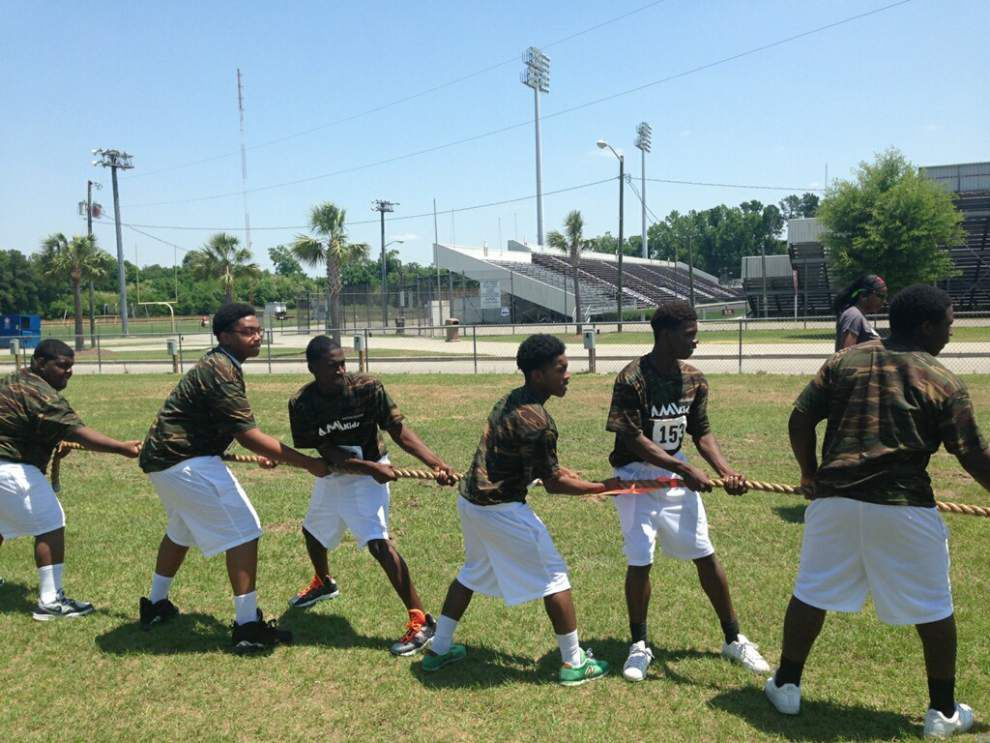 Local at-risk teens take on national Summer Challenge _lowres