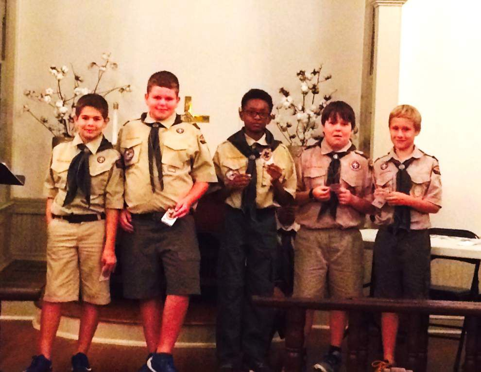 Boy Scouts earn badges during fall ceremony _lowres