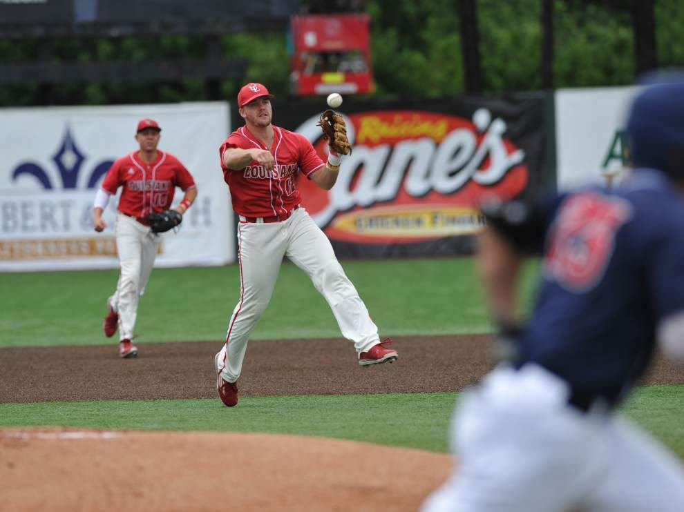 Cajuns roll over Arizona to move to regional title game _lowres
