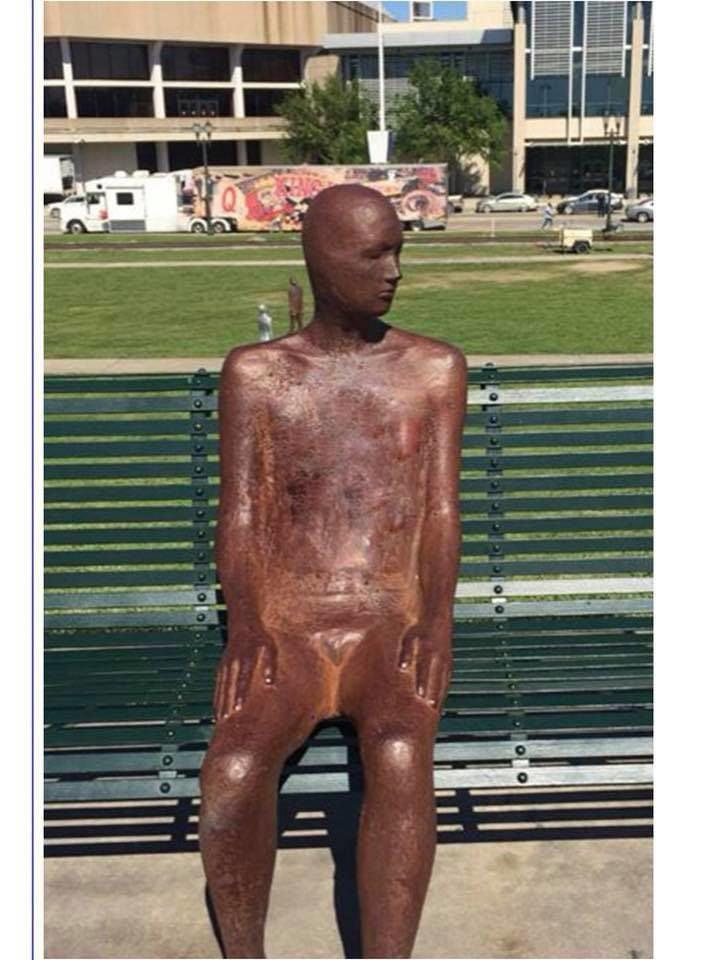 Stolen_statue