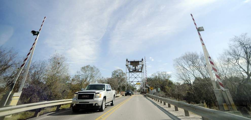 Acadiana officials plead with DOTD: Fix our roads! _lowres