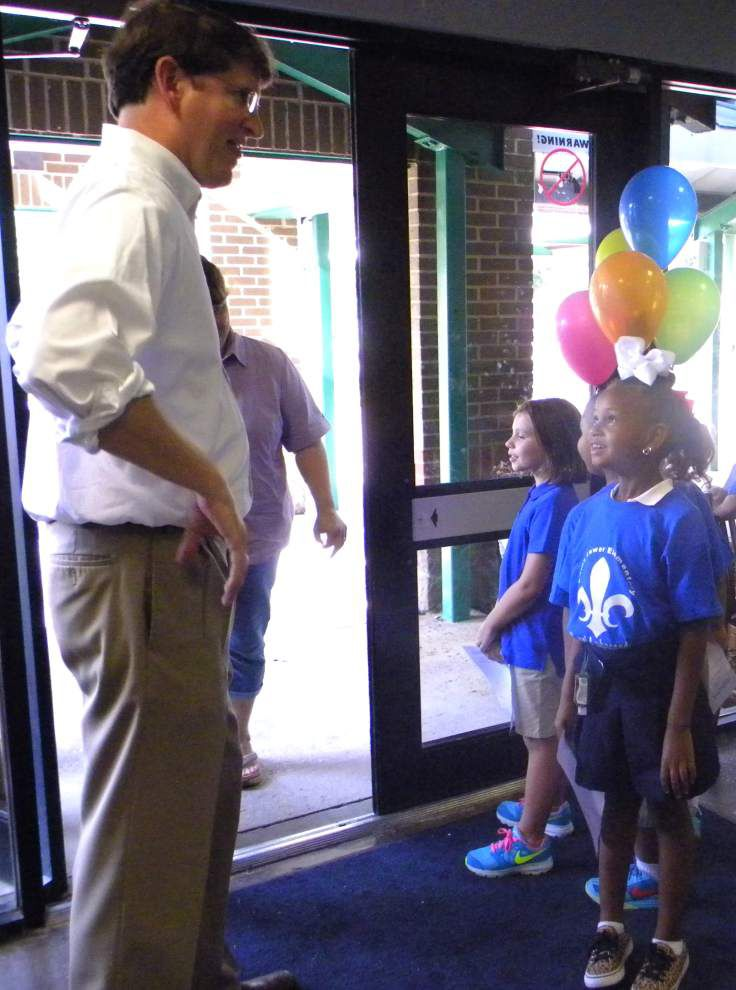 Second-graders act as open house ambassadors _lowres