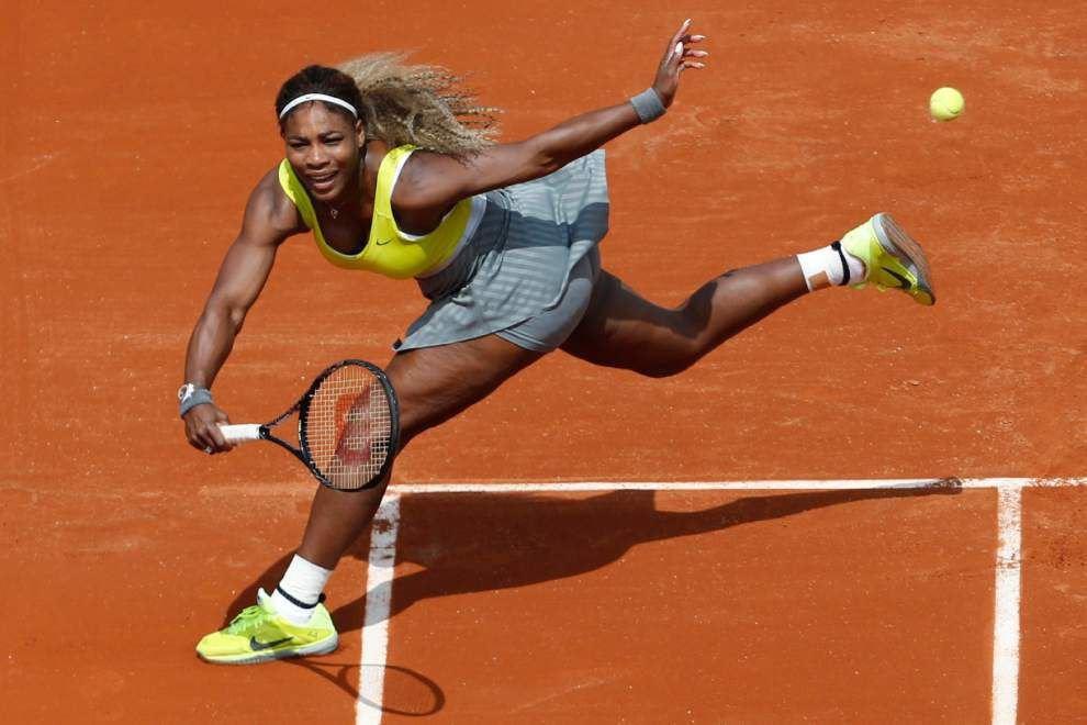 Federer, Williams sisters capture French Open wins _lowres