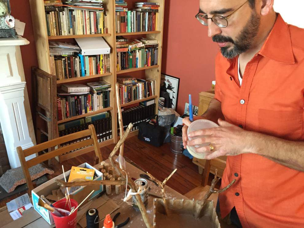 Tinytown: Native New Orleanian creates pint-sized marionette for his 'tit Rex parade shoebox float _lowres
