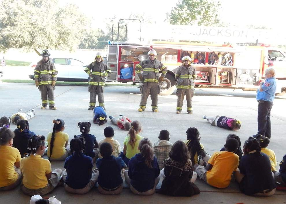 Firefighters visit Jackson Elementary _lowres