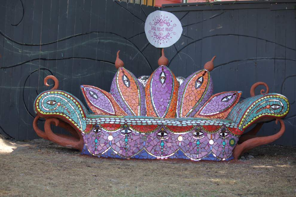 Sculpture, mosaic students create community gift _lowres