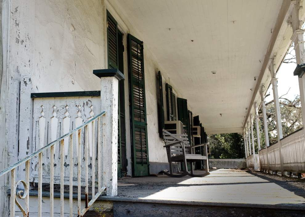 For sale: Plantation built in 1793, untouched since '04, complete with rich history, original beams, fireplaces _lowres