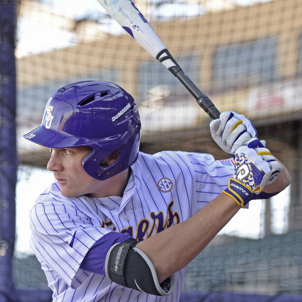 As his anticipated debut nears, LSU freshman outfielder Antoine Duplantis 'breaking the mold' of his track and field family _lowres