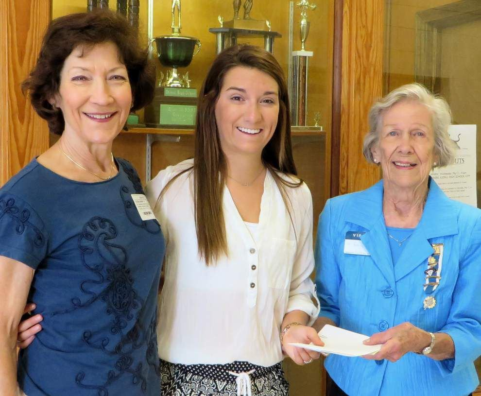 Slidell student receives DAR Good Citizen Award _lowres