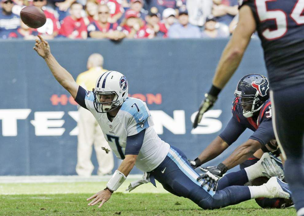 Titans quarterback Zach Mettenberger injured _lowres