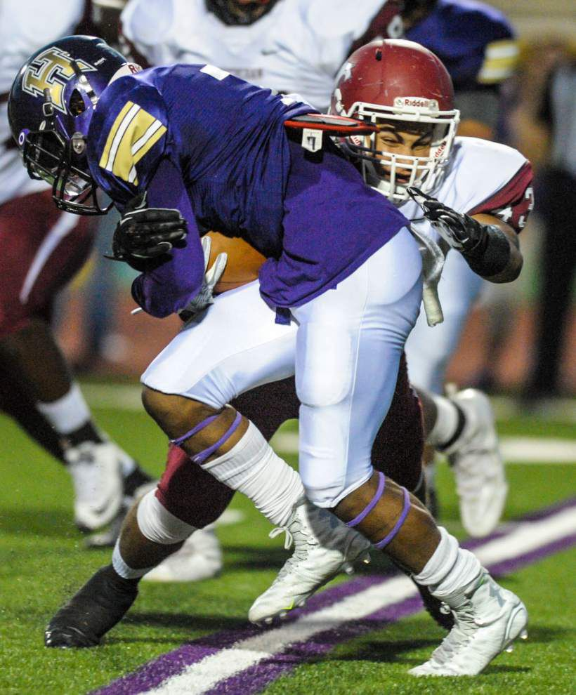 Kohen Granier passes for 294 yards, four touchdowns to power Destrehan by Hahnville 48-23 _lowres