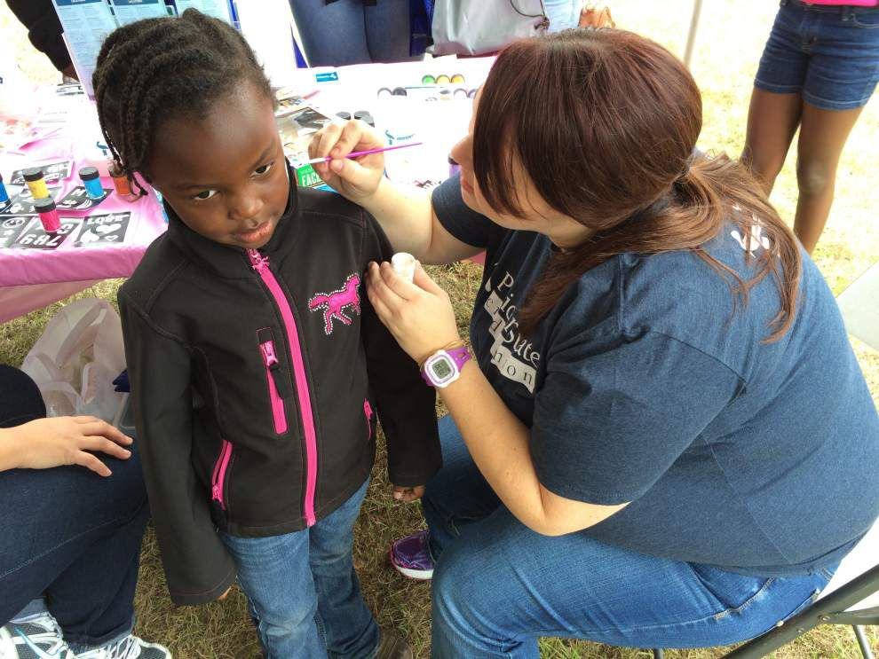 Parish hospital hosts annual health fair, walk _lowres