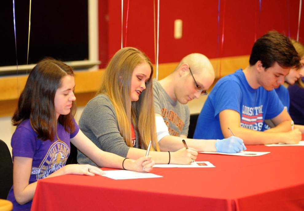 Eleven Zachary seniors sign music scholarships _lowres