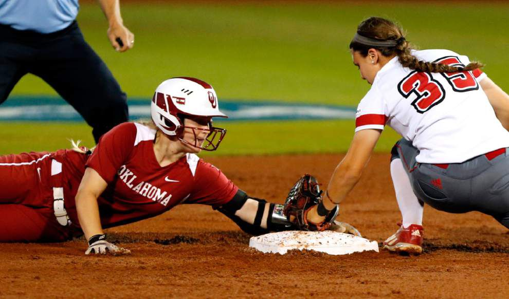 Despite late rally, Cajuns softball swept aside 7-6 by Oklahoma, which advances to the Women's College World Series _lowres