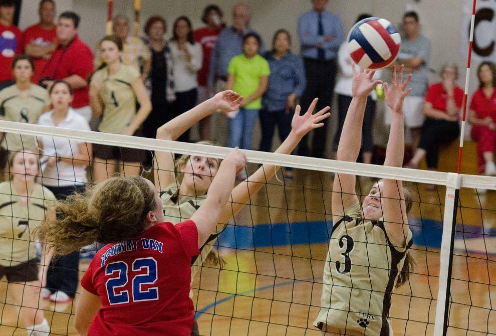 Mt. Carmel sweeps Country Day in top-ranked showdown _lowres