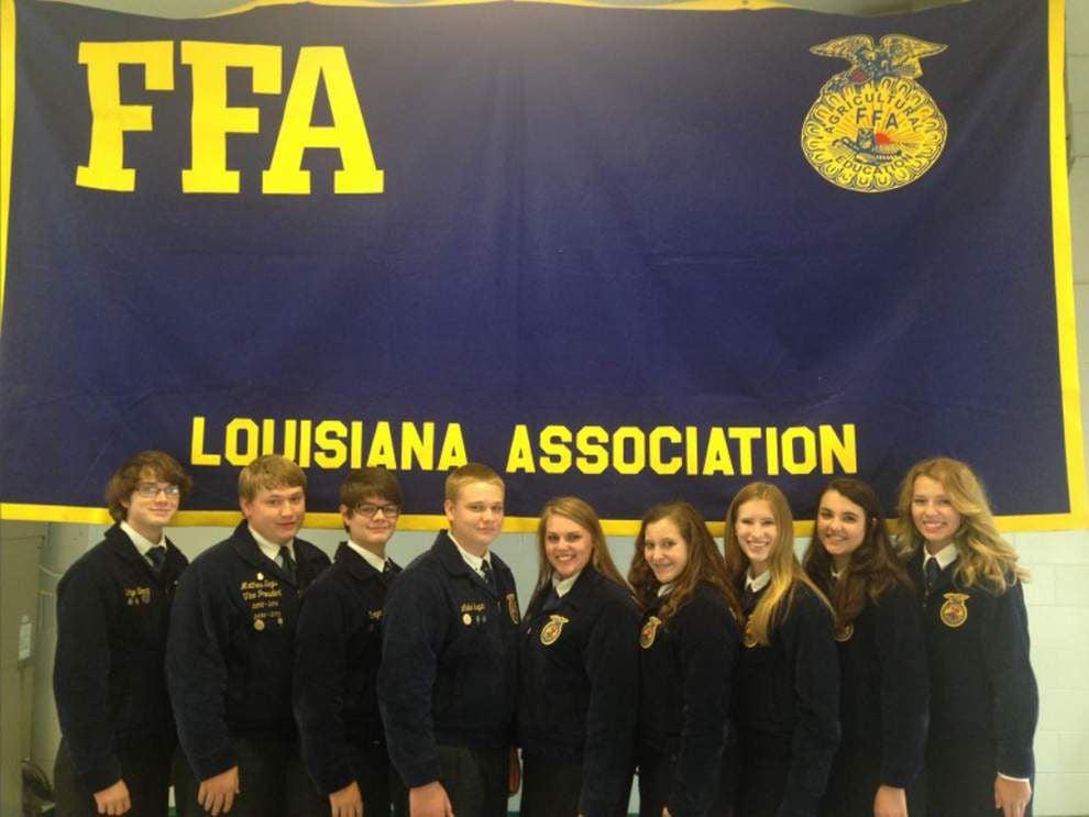 Walker FFA earns honors, enjoys retreat _lowres