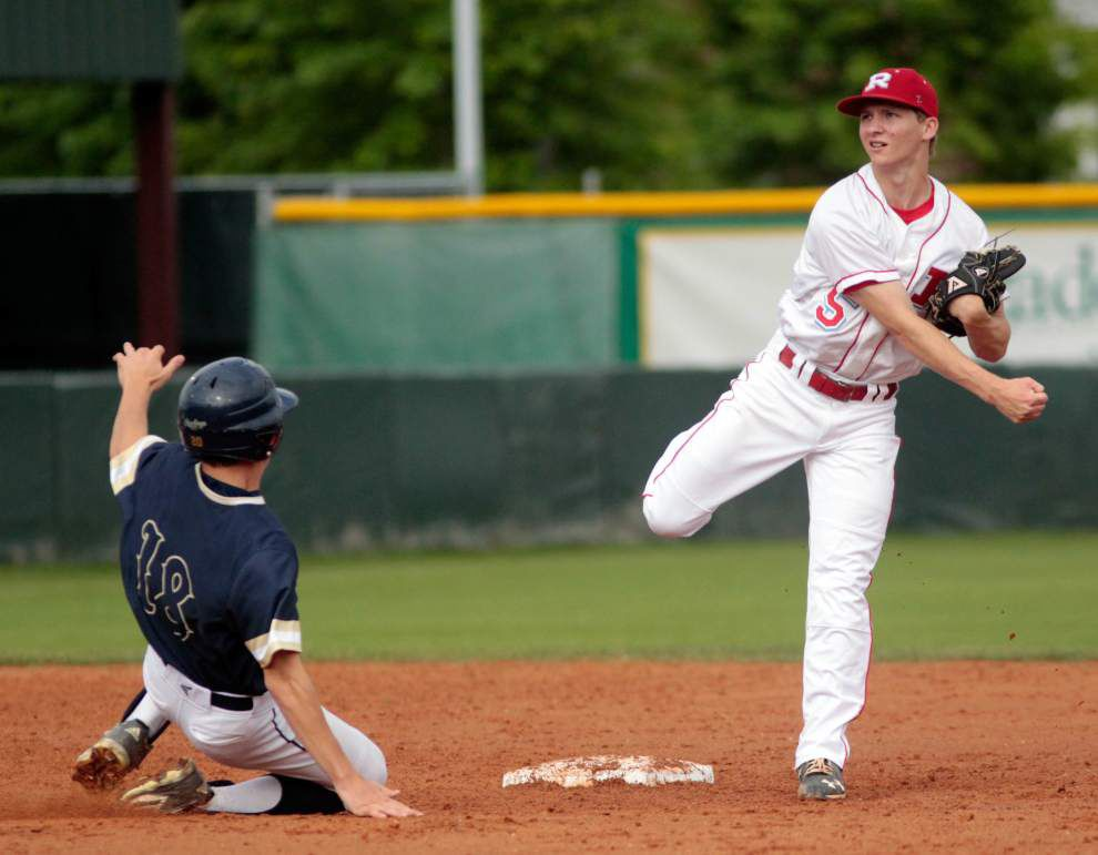 Holy Cross baseball team keeps playoff hopes alive with victory over Rummel _lowres
