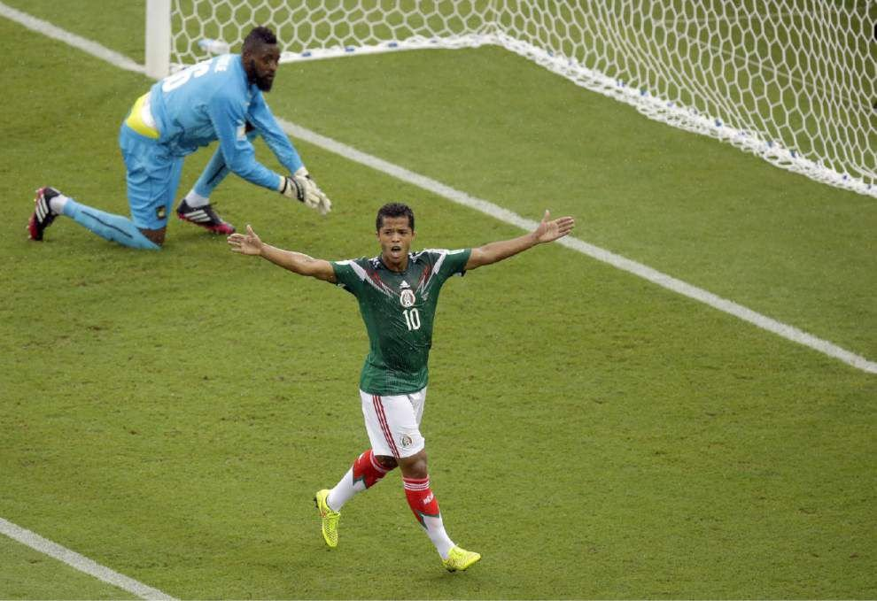 World Cup: Mexico, Chile win first matches _lowres