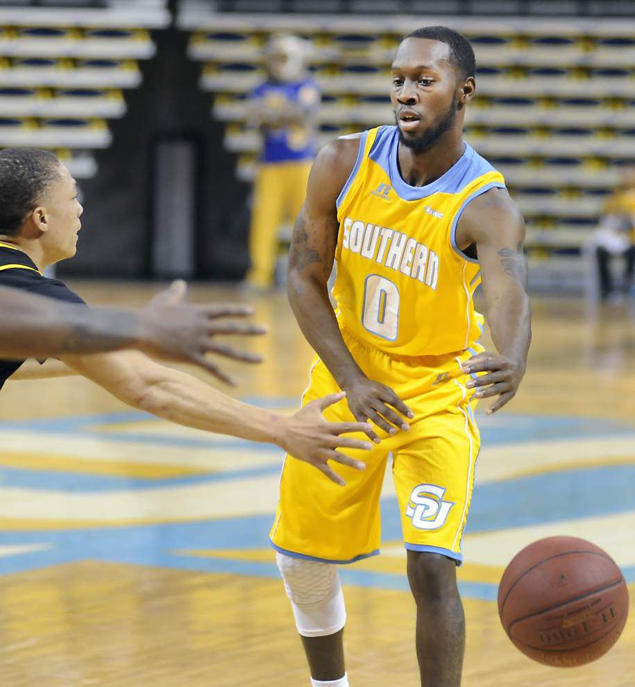 Keith Davis leads Southern men past Grambling 58-50 _lowres