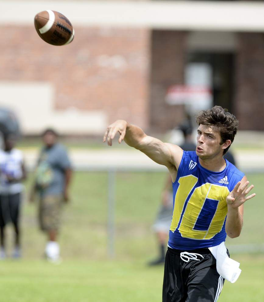 Big passing numbers OK for Walker quarterback Terry Bozeman, St. Amant's Hayden Mallory, but they prefer wins _lowres