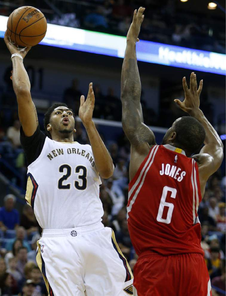 Back-to-back in business: Pelicans guard Jrue Holiday plays full games in consecutive days _lowres