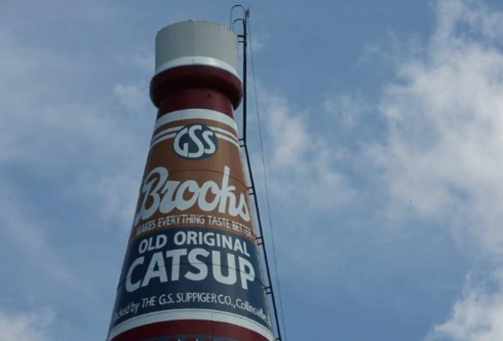 Giant ketchup bottle water tower up for sale _lowres