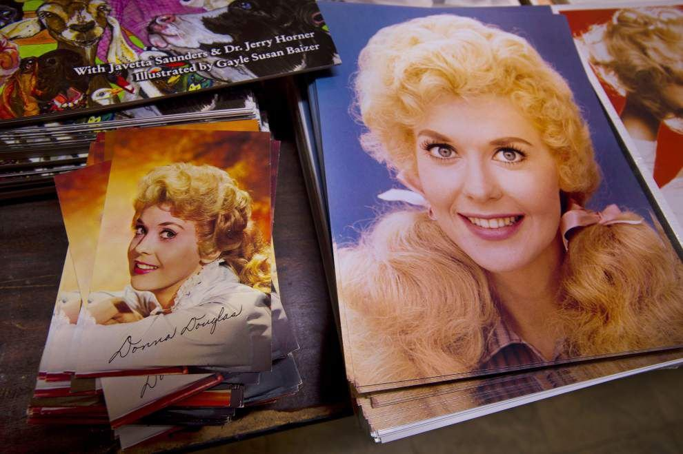 Sale of late 'Beverly Hillbillies' star Donna Douglas' belongings draws crowd to Denham Springs auction house _lowres