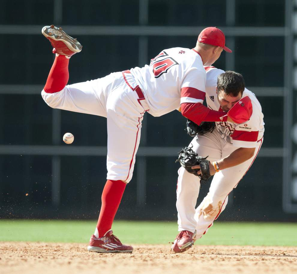 Late-game miscues prove costly in Cajuns' 5-3, 10-inning loss to Texas Tech in Houston _lowres