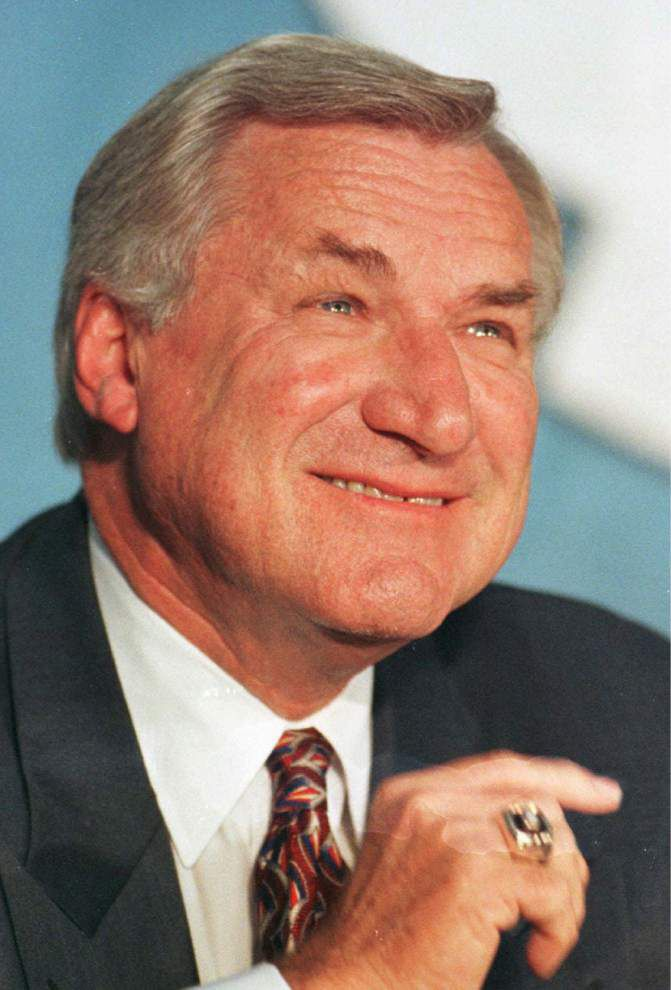 Lewis: Dean Smith, in Dale Brown's words, was 'a giant of a coach and a giant of a man' _lowres