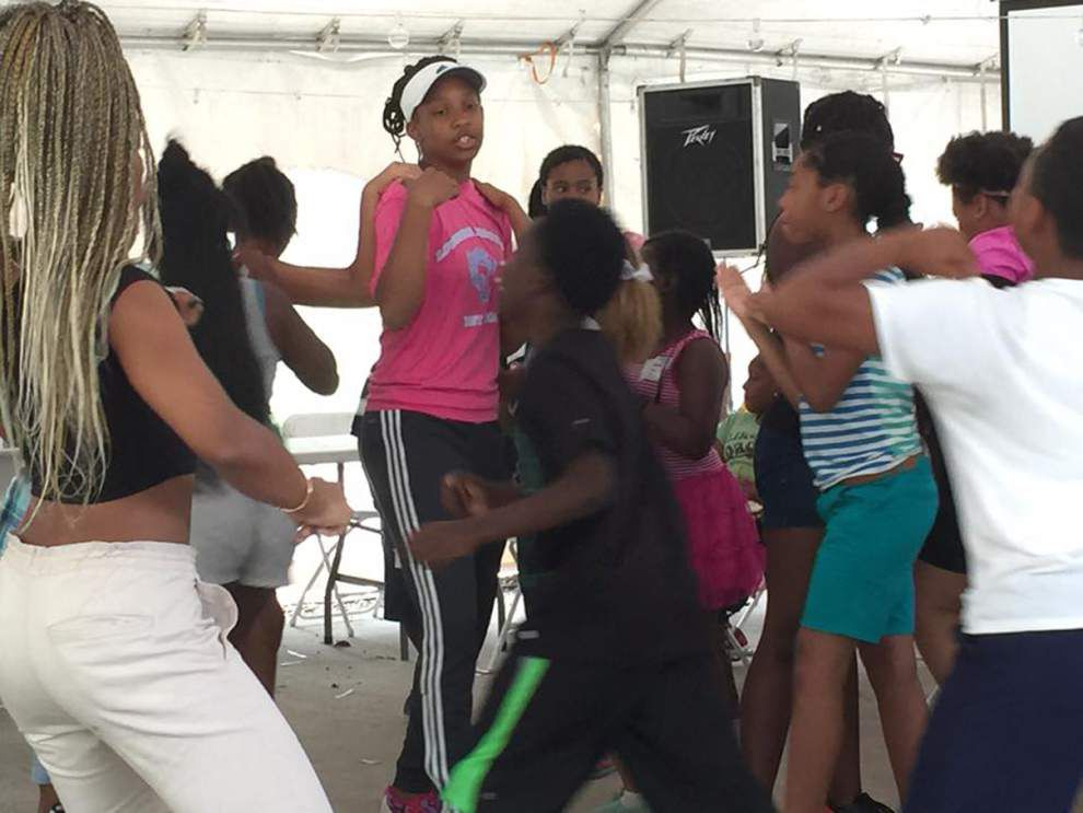 Camp offers children lesson in slave culture _lowres