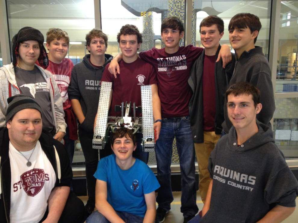 St. Thomas robotics team competes at 'Net' event _lowres