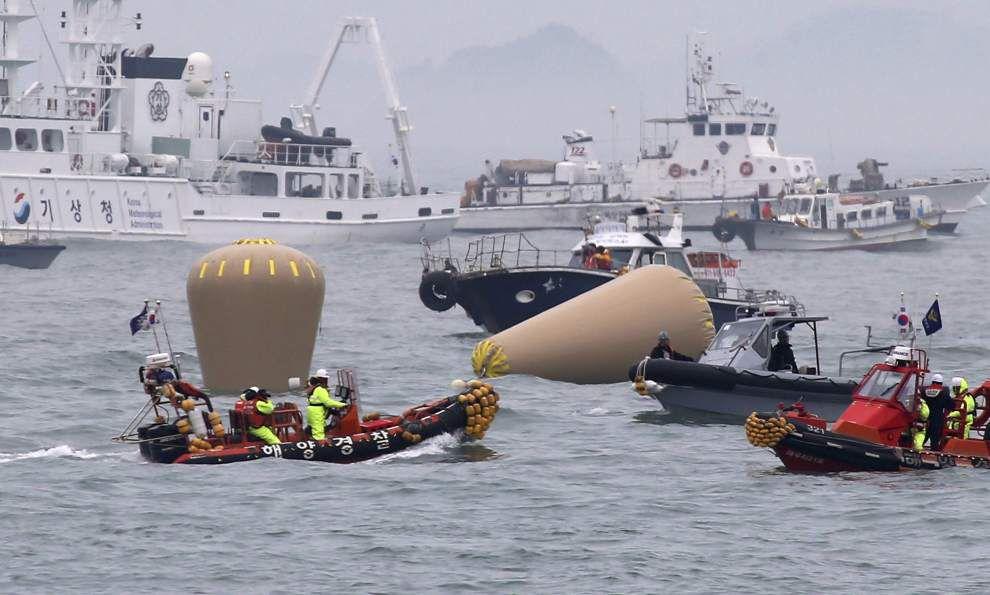 Prosecutors seek arrest warrant for ferry captain _lowres