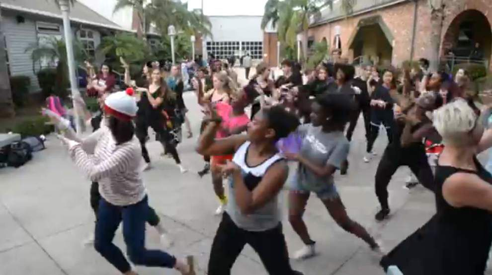 Video: Arts, drama students perform famous 'Thriller' dance in New Orleans _lowres