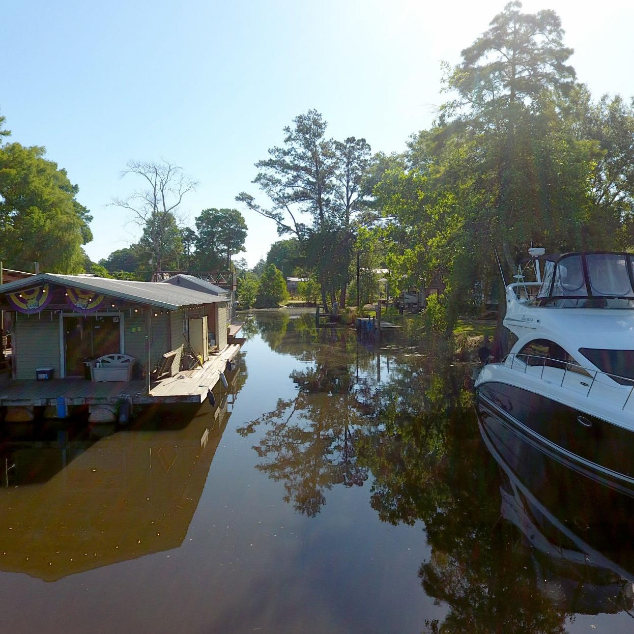 On Louisiana S Bayous Houseboat Living Is Cheap And Easy