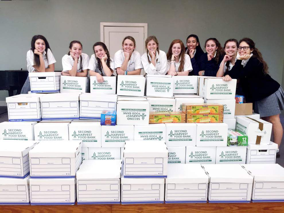Ursuline Academy juniors collect nearly a ton of food bank donations _lowres