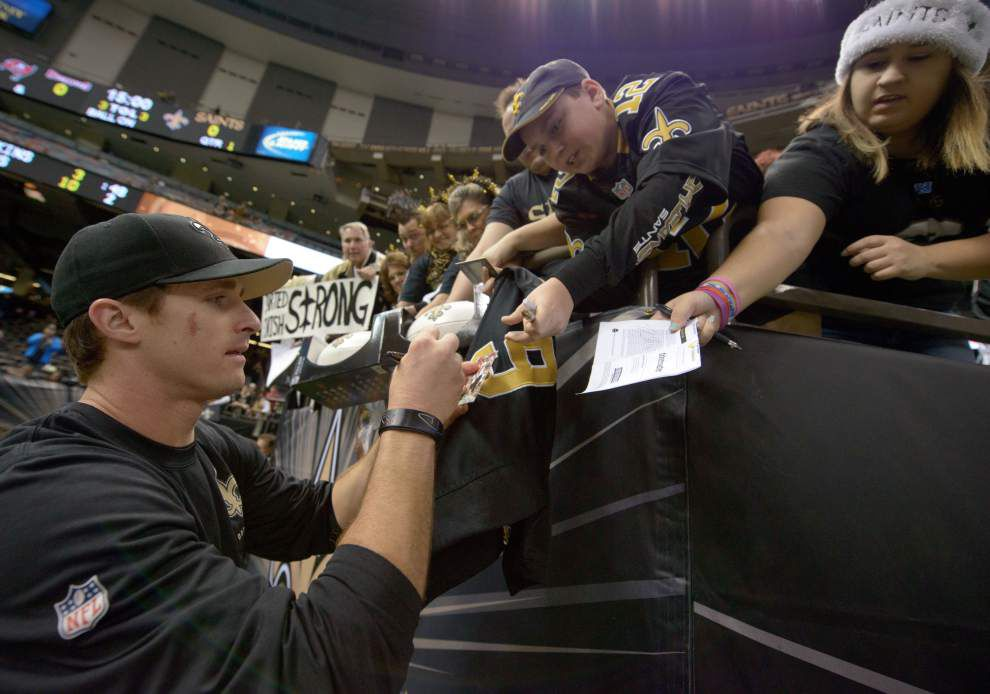 Pregame gallery: Saints, fans brace for Bucs _lowres