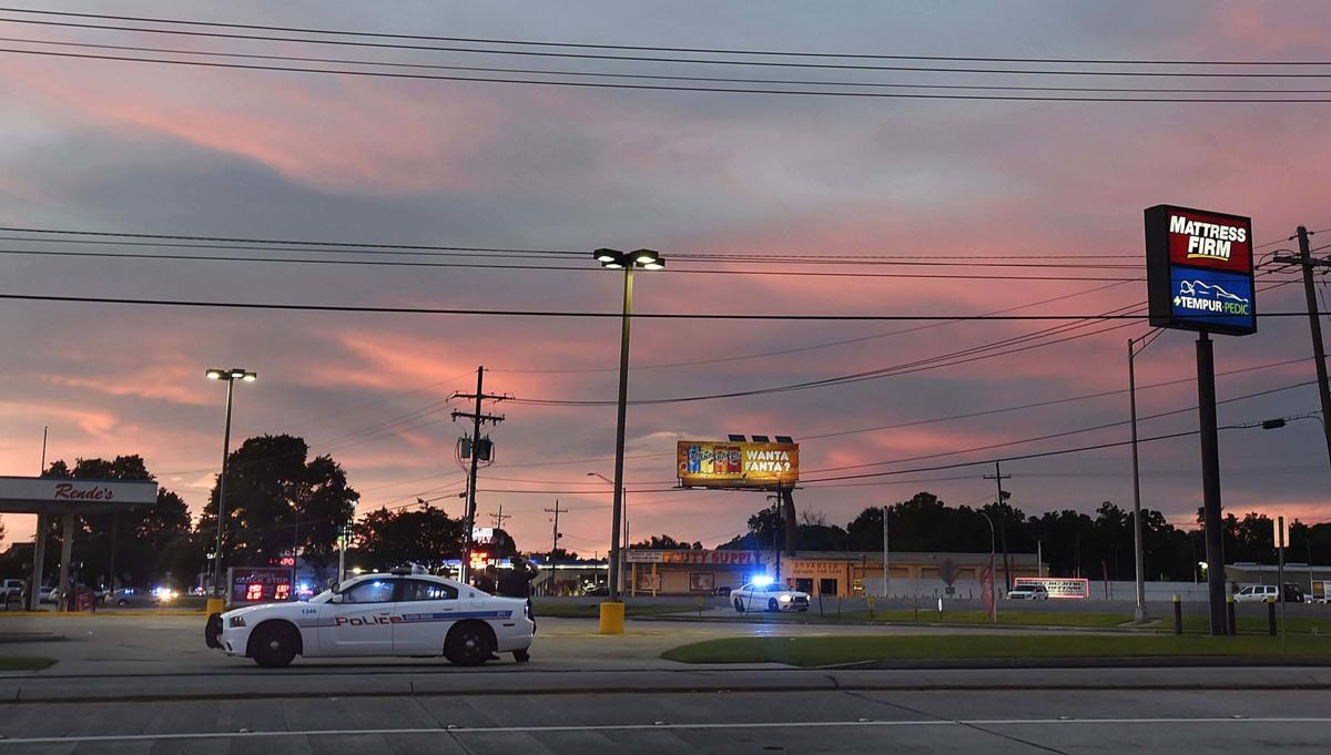photos from scene hospitals baton rouge law enforcement officers