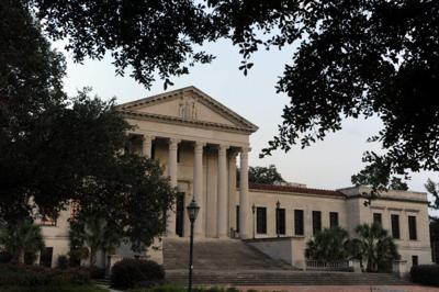 LSU Law Center offers buyouts to 7 professors as interest in law schools dwindles nationally _lowres