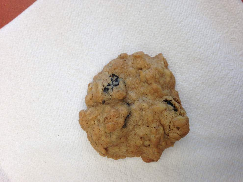 Katherine Anders' Oatmeal Spice Cookies With Cinnamon and Nutmeg _lowres