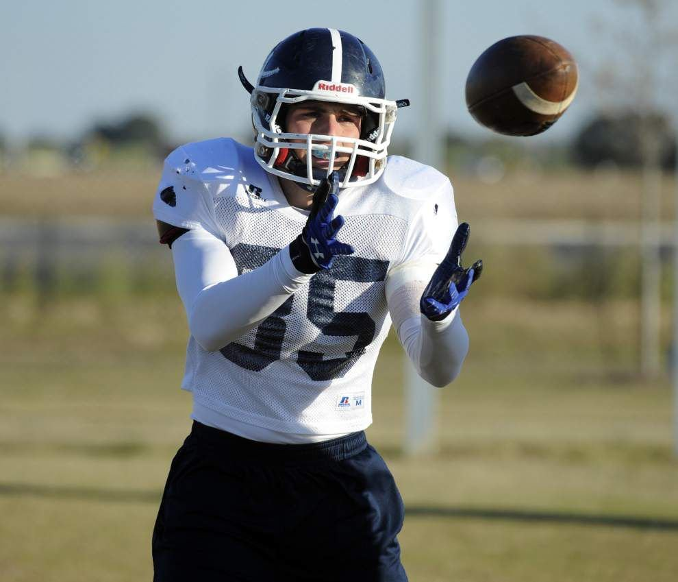 Ascension Episcopal looks to build on the school's first playoff victory by hosting Southern Lab on Friday _lowres