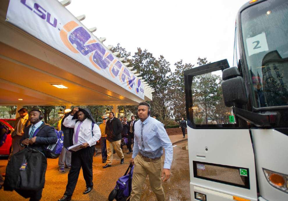LSU arrives in Nashville for its Music City Bowl matchup with Notre Dame _lowres